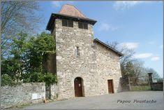 """Le Trioulou dans le Cantal Le Trioulou est une petite colline de 587 ha délimitée naturellement par un ruisseau à l'est et la riviére Célé à l'ouest .  Le nom de """"Trioulou"""" viendrait du latin Trifolium , le tréfle , peut être du fait de la bonne valeur agronomique des terrains .  Sur un inventaire réalisé en 1498 on trouve déjà les noms de villages actuel de la commune: le tour , le fraysse , la barriere , joanny , bonnet......"""
