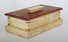 Ash keepsake box with mahogany lid and miter splines