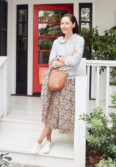 We asked our friend Marlien—founder of one of our favorite fashion sites, LE CATCH—to show us three ways and three places she's wearing our giraffe print skirt around her L.A. neighborhood.