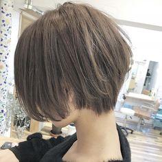 Short / Very Short / Bob / Fukuoka / Coast. Short Bob Hairstyles, Diy Hairstyles, Pretty Hairstyles, Korean Short Hair, Short Hair Cuts, Shot Hair Styles, Long Hair Styles, Tomboy Haircut, Hair Dye Shades