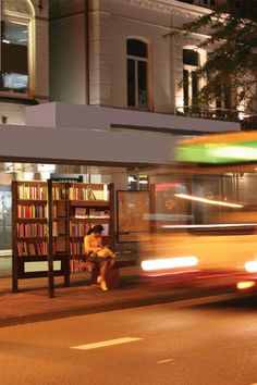 Bookinist bus stop.