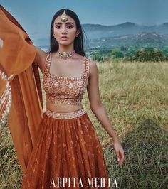 Party Wear Indian Dresses, Indian Bridal Outfits, Indian Bridal Fashion, Indian Fashion Dresses, Dress Indian Style, Indian Designer Outfits, Simple Lehenga, Bridal Lehenga Collection, Ethnic Outfits