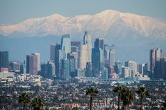 See how much LA's skyline changed in 10 years - Curbed LA Los Angeles Skyline, Downtown Los Angeles, Us Bank Tower, Craftsman Cottage, Marriott Hotels, Local Real Estate, Concrete Jungle, 10 Years, San Francisco Skyline