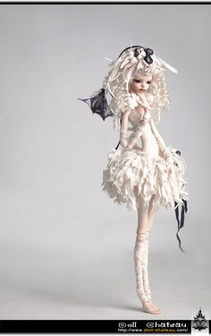 Oobie Doll is an online ball jointed doll store. I am a wig maker for BJD's and ooak clothing designer for ball jointed dolls. We carry at this time DIM and Planet Doll. Clay Dolls, Blythe Dolls, Doll Toys, Elfen Fantasy, Enchanted Doll, Gothic Dolls, Paperclay, Creepy Dolls, Doll Repaint