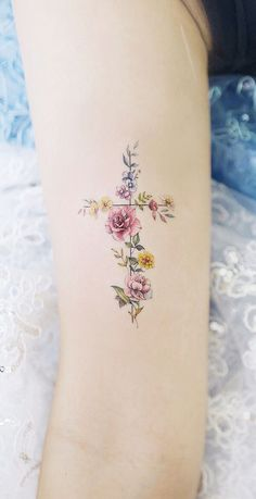 A wide variety of small tattoos for women small meaningful tattoos flower tattoos - small flower tat New Tattoos, Body Art Tattoos, Small Tattoos, Tatoos, Small Feminine Tattoos, Feminine Cross Tattoo, Ab Tattoo, Delicate Tattoo, Tattoo Forearm