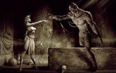 Alzando a la momia, de Carlos Valenzuela