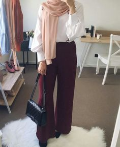14 Palazzo Pants Outfit For Work - The Finest Feed 14 Palazzo Pants Outfit For W. 14 Palazzo Pants Outfit For Work – The Finest Feed 14 Palazzo Pants Outfit For Work – The Fines Casual Hijab Outfit, Modest Fashion Hijab, Modern Hijab Fashion, Hijab Fashion Inspiration, Hijab Chic, Muslim Fashion, Ootd Hijab, Hijab Office, Office Outfits