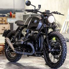 I honestly adore specifically what these people did with this especially designed Scrambler Cafe Racer, Triumph Cafe Racer, Cafe Racer Bikes, Cafe Bike, Ducati Motorbike, Bike Bmw, Scrambler Motorcycle, Bmw R100, R80