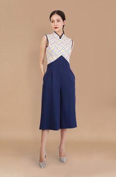 70s Fashion, Work Fashion, Fashion Dresses, Fashion Design, Mandarin Dress, Mandarin Collar, Cheongsam Modern, Mom And Baby Outfits, Chinese Clothing