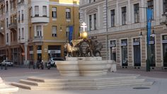 Seghedin - Szeged - Ungaria Sculptures, Street View, Adventure, Creative, Travel, Hungary, Viajes, Sculpting, Fairytail