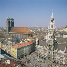 "Standing at the Marienplatz, in front of the city hall ""Rathaus"" you find yourself right in the heart of old town in Munich. Description from marriott.com.au. I searched for this on bing.com/images"