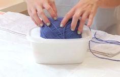 (VIDEO) Stavila je vunu u lepak, a ono što je napravila ćete odmah poželeti u svojoj kući