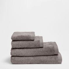 Toalla Básica - Toallas y Albornoces - Baño | Zara Home España Zara Home España, Towel, Bathroom, Towels, Washroom, Full Bath, Bath, Bathrooms