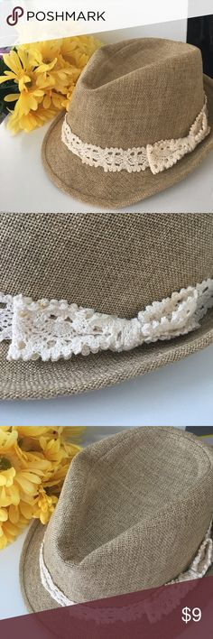 Bow Fedora Beige fedora with a lace bow around it ✨ NEW CONDITION  🌸 MAKE AN OFFER 🌸 Forever 21 Accessories Hats