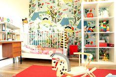 barnrum,färgglatt,lekfullt,loppis,retro,lapptäcke,gunghäst,vintage,second hand,spjälsäng,mönster,mönstrad,tyg