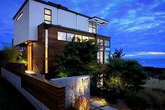 Modern home exterior in Seatle, WA. Discovered on search.porch.com. #interiordesign #interiors #design #decor #modernhomes