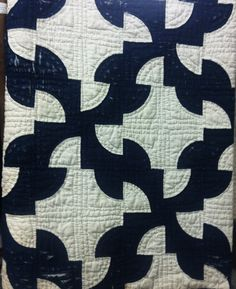 Antique quilt, Springfield OHIO Drunkards path, my favorite [pattern and my fav colors