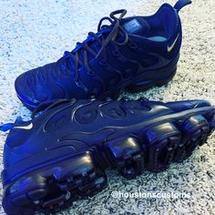 All Black Shoes, Nike Shoes Blue, Nike Shox Shoes, Cute Nike Shoes, Nike Shoes Air Force, Adidas Shoes, Kicks Shoes, Blue Sneakers, Nike Air Vapormax