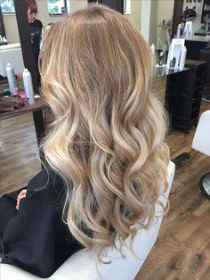 Hair Color Balayage, Hair Highlights, Ombre Hair, Natural Blonde Balayage, Natural Blonde Hair With Highlights, Medium Balayage Hair, Honey Balayage, Medium Blonde, Brown Balayage