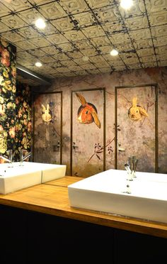 ELISABETH LEROY Collections Wallpaper at Muséum 大阪 à Osaka (Walpa) The power room and its amazing ceiling from NLXL x Merci and the cute rabbits from Dolcevita....  https://www.facebook.com