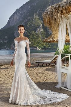 Perfect for a destination wedding or for a bride who wants to add sleeves to her wedding dress. From Eddy K – Spring 2017 – Dreams – Bali