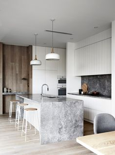 Step Inside This Modern Beach House in Victoria's Mornington Peninsula | MyDomaine AU