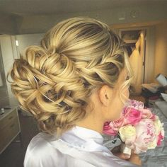Chignon buns for long hair. Top chignon bun hairstyles for women. Gorgeous chignon updos for prom night. Fancy Hairstyles, Braided Hairstyles, Wedding Hairstyles, Updos Hairstyle, Braided Updo, Black Hairstyles, Hairstyle Ideas, Bridesmaid Updo Hairstyles, Shaggy Hairstyles