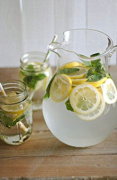 Lemon Water with Fresh Mint - water infused with freshly squeezed lemons and sprigs of mint. Lemon Mint Water, Fresh Mint, Lemon Lime, Mint Leaves In Water, Lemon Infused Water, Infused Waters, Lemon Benefits, Water Benefits, Health Benefits