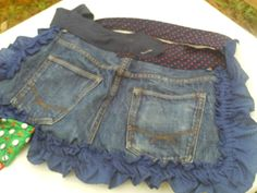 Recycled blue jeans and men neck ties to create a apron for outdoors... in the yard or garden. 17 made selling for $10 each. Denim Aprons, Neck Ties, Blue Jeans, Recycling, Yard, Decor Ideas, Outdoors, Quilts, Sewing