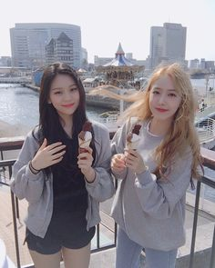 Check out GFriend @ Iomoio Kpop Girl Groups, Korean Girl Groups, Kpop Girls, Sinb Gfriend, Gfriend Sowon, Korean Entertainment, G Friend, Music Photo, Ulzzang Girl