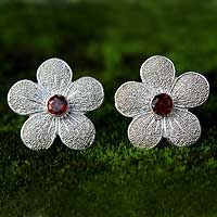 Love Blossom from @NOVICA, They help #artisans succeed worldwide.