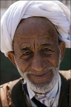 Sweet old man in Essaouira  #People of #Morocco - Maroc Désert Expérience tours http://www.marocdesertexperience.com