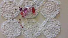 sous tasse en crochet de couleur blanche lot de 6 : Cuisine et service de table par mademoiselle-crochet