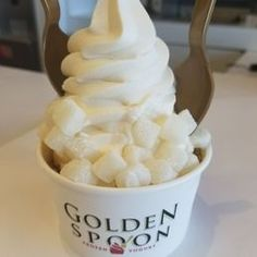 Photo of Golden Spoon Frozen Yogurt - Huntington Beach, CA, United States. Simple vanilla with Graham cracker and mochi