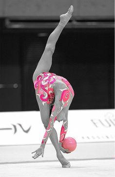 This is an amazing picture! I love how the photographer only highlighted the pink. This is an amazing picture! I love how the photographer only highlighted the pink. Amazing Gymnastics, Gymnastics Photos, Gymnastics Photography, Sport Gymnastics, Artistic Gymnastics, Rhythmic Gymnastics Leotards, Gymnastics Competition, Gymnastics Gifts, Gymnastics Flexibility