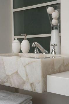 Caesarstone Classico 8141 White Quartz: http://www.caesarstone.com/en/The-Catalog/Pages/8141%20White%20Quartz.aspx