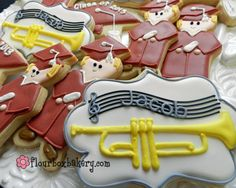Flour Box Bakery has hand-iced decorated cookie gifts and favors, how-to cookie decorating video tutorials, and professional and affordable decorating supplies. Cupcake Cookies, Sugar Cookies, Iced Cookies, Cupcakes, Starfish Cookies, Music Cookies, Graduation Cookies, Graduation Parties, Graduation Ideas