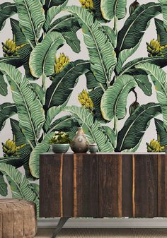 Kingdom Palm is a bold tropical palm leaf design inspired by British Colonial art with a modern twist. Create a sophisticated botanical look. Palm Leaf Wallpaper, Tropical Wallpaper, Botanical Wallpaper, Of Wallpaper, Designer Wallpaper, Wallpaper Ideas, Wallpaper Designs, Beautiful Wallpaper, Wallpaper Online