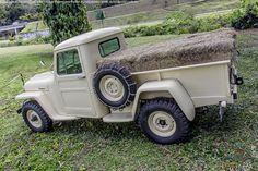 F4-134 FWD truck | Clássico do Mês – Jeep Willys Pick-up Four Wheel Drive de 1951 ...