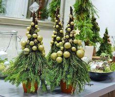 Minimal Christmas, Natural Christmas, Gold Christmas, Rustic Christmas, Simple Christmas, Christmas Holidays, Art Floral Noel, Arte Floral, Wooden Christmas Decorations