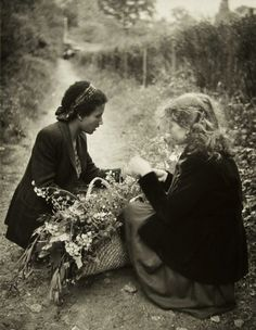 Lella and Seguis, France, 1947, photo by Edouard Boubat