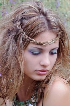 Another fun way to wear a tiny side braid is pull it across the forehead into this adorable hippy braid.