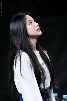 Kpop Girl Groups, Kpop Girls, K Pop, Soyeon, Park Chaeyoung, Cube Entertainment, Ulzzang Girl, New Girl, Neverland