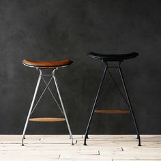 WIRE & LEATHER BAR STOOLS
