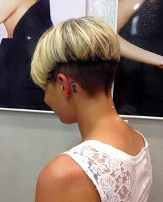 Short Hair Cuts For Women Bob, Girls Short Haircuts, Short Hairstyles For Women, Pixie Haircuts, Blonde Pixie Hair, Bleach Blonde Hair, Mushroom Haircut, Medium Hair Styles, Short Hair Styles