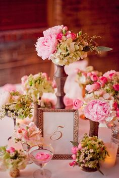 Glittering Gold,  Photo by Raquel Sergio Photography, Floral by Lillian Rose