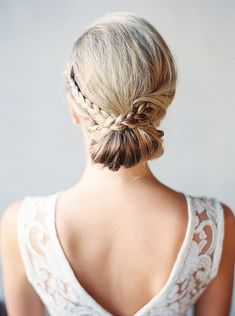 Chignon bridal hair | Photo by  Melissa Jill Photography | Read more - http://www.100layercake.com/blog/wp-content/uploads/2015/04/Copper-and-coral-Arizona-wedding-inspiration