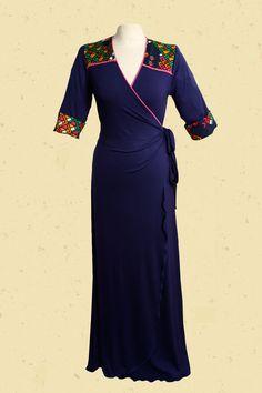 Talulabelle Inktblauwe maxi-jurk met vintage schouderpas in felle kleuren maxi dress dark navy blue print sleeves schoulders and back