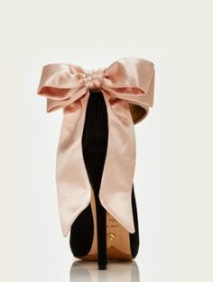 Kate Spade Bow Heel with a light pink lace dress... Perfection