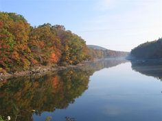 I would wear my cotton fisherman's sweater and my boyfriend jeans to Deep Creek Lake for Autumn Glory this October!